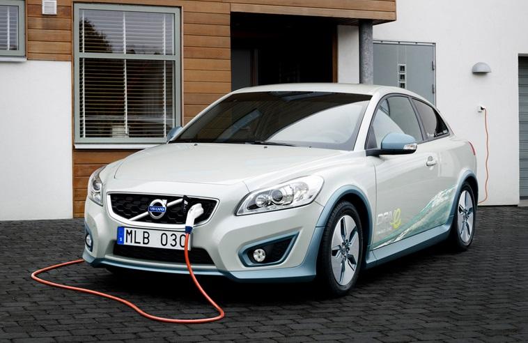 Volvo озвучила цену и характеристики первого электромобиля