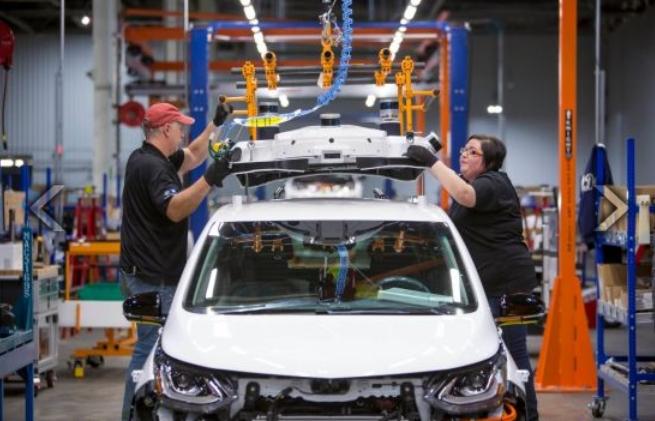Как собирают беспилотные Chevrolet Bolt - новое видео от General Motors