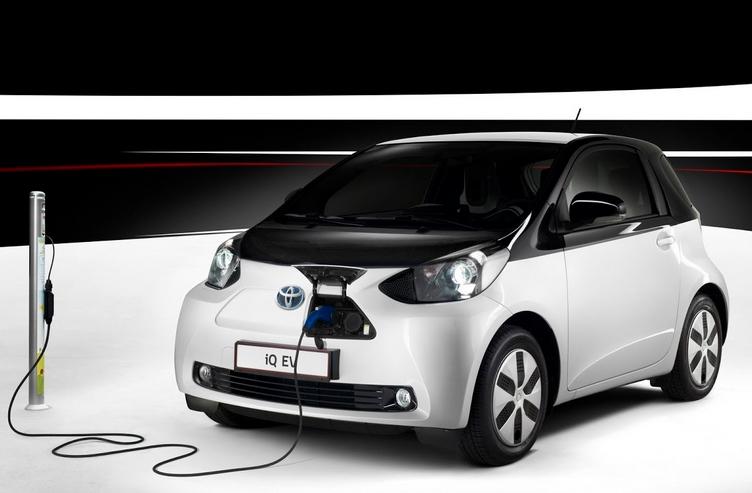 Toyota создаст «дальнобойный» электромобиль с батареей, заряжающейся за несколько минут