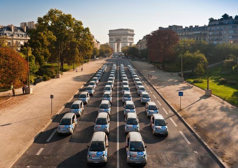 Франция хочет полностью пересесть на электромобили к 2040 году