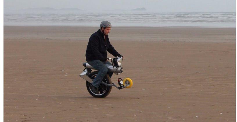 Электрический скутер на одном колесе