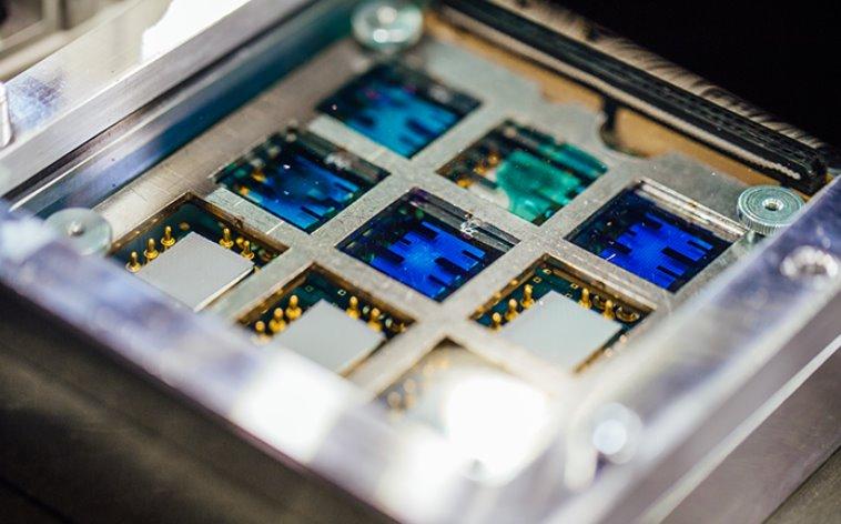 Стены домов превратятся в СЭС с новой технологией печати фотоэлектрических пленок