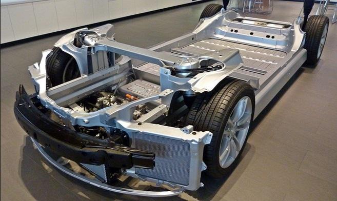 автомобиль тесла вес аккумулятора