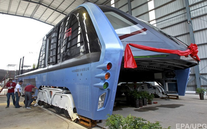 автобус-портал Transit Elevated Bus